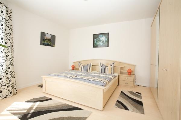 feldstadt schwerin ferienwohunung. Black Bedroom Furniture Sets. Home Design Ideas
